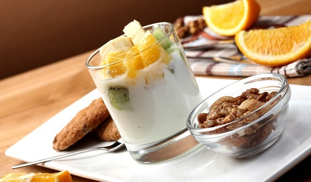 yoghurt and nuts