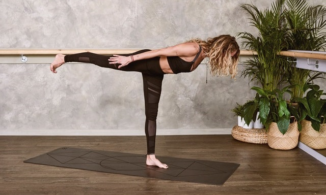 woman-doing-pilates
