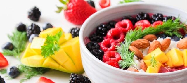 fruit-salad-in-white-ceramic-bowl